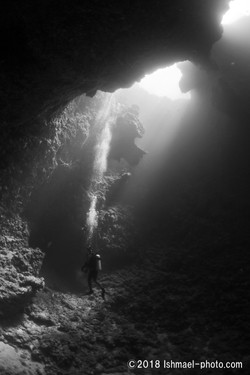 The hole 深淵
