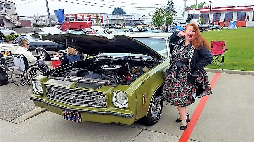 Classic Cars and Women of the world