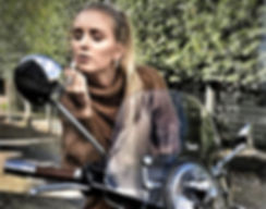 Hot Women and Scooters-Vespa Girls-Beautiful Women