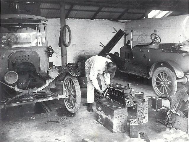 Garage & Coach-House