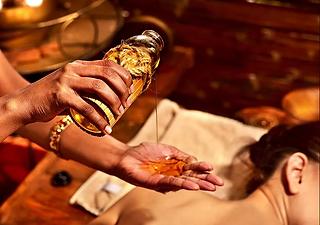 Ayurvedic-massage.png