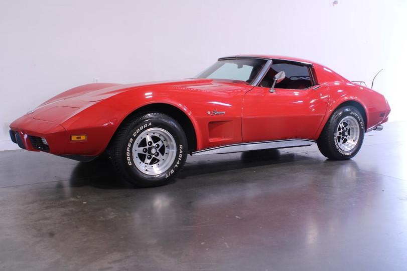 76 Corvette Stingray