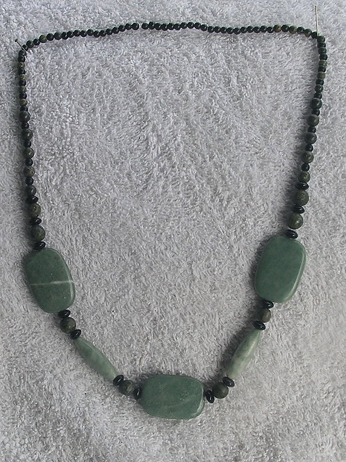 3 Green Serpentine Stones Necklace