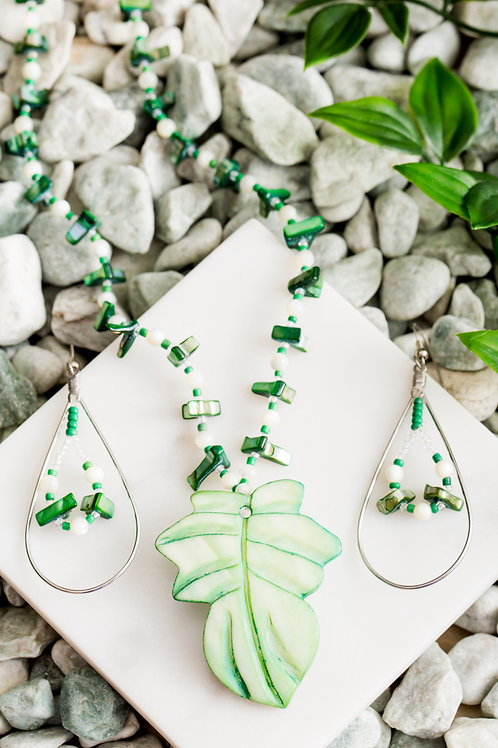 Green Dyed Shell Leaf Set