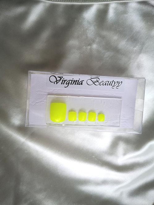 Pieds jaune fluo