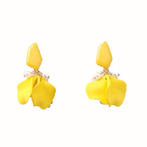 Petal Cluster + Pearls Yellow
