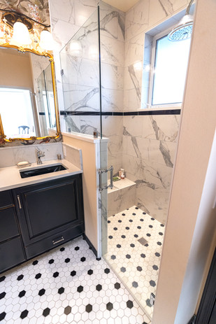 Zero-curb shower entry