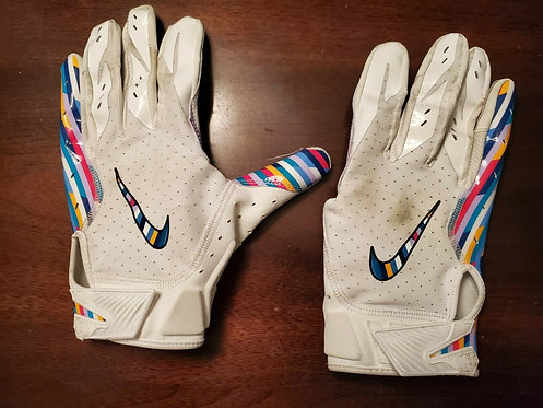 2019 Los Angeles Chargers Germey Davis Game Used Gloves