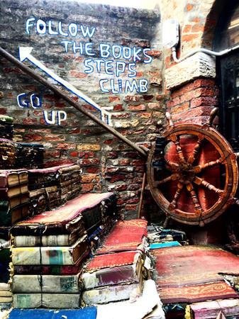 Libreria Acqua Alta Di Frizzo Luigi