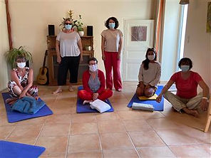 Yoga féminin.jpeg