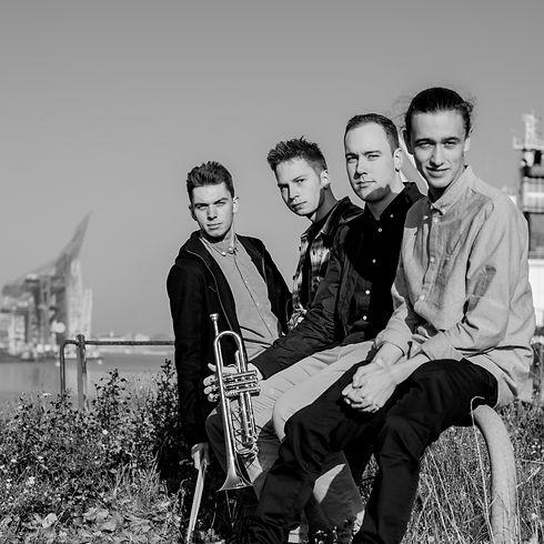 Bluff - Band