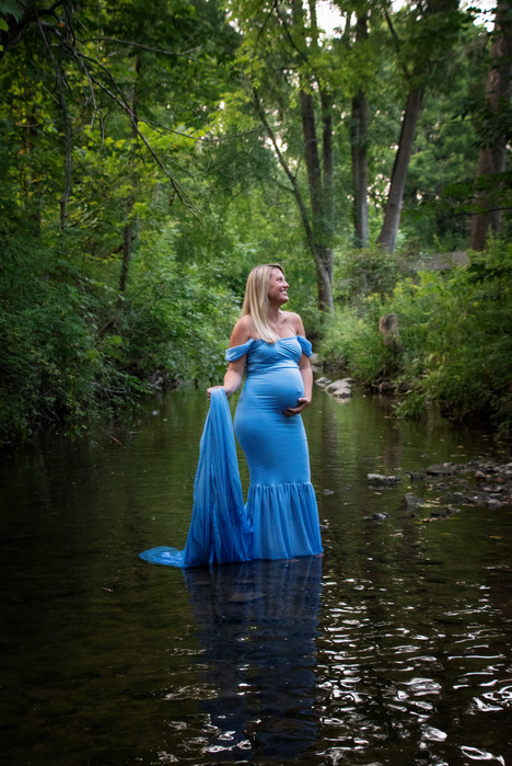 Summer maternity- Maternity in the water