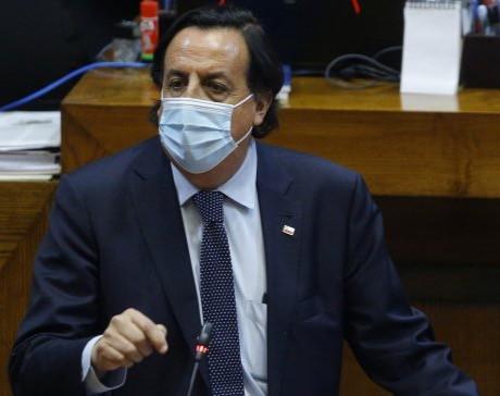 Renunció Ministro del Interior tras admisibilidad de acusación constitucional