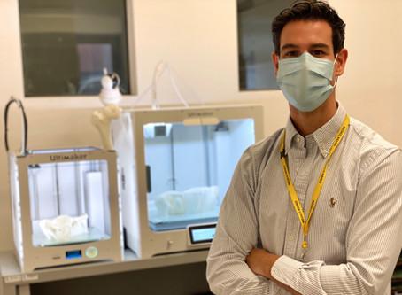 """Los Dres. Aguado Maestro y García Alonso dirigen un curso de impresión 3D. Noticia en """"El Mundo"""""""
