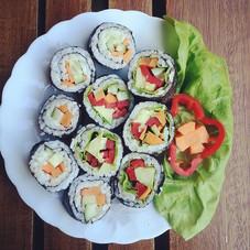 Simple and delicious veggie sushi #vegan
