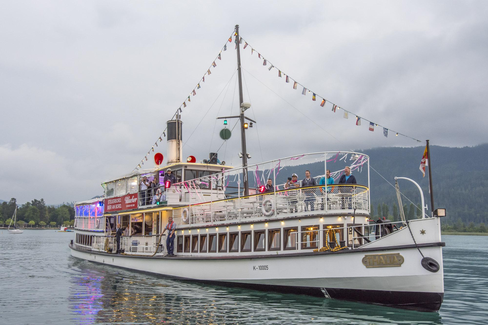 Pink-Lake-Boat-Cruise-Boarding-2019-4