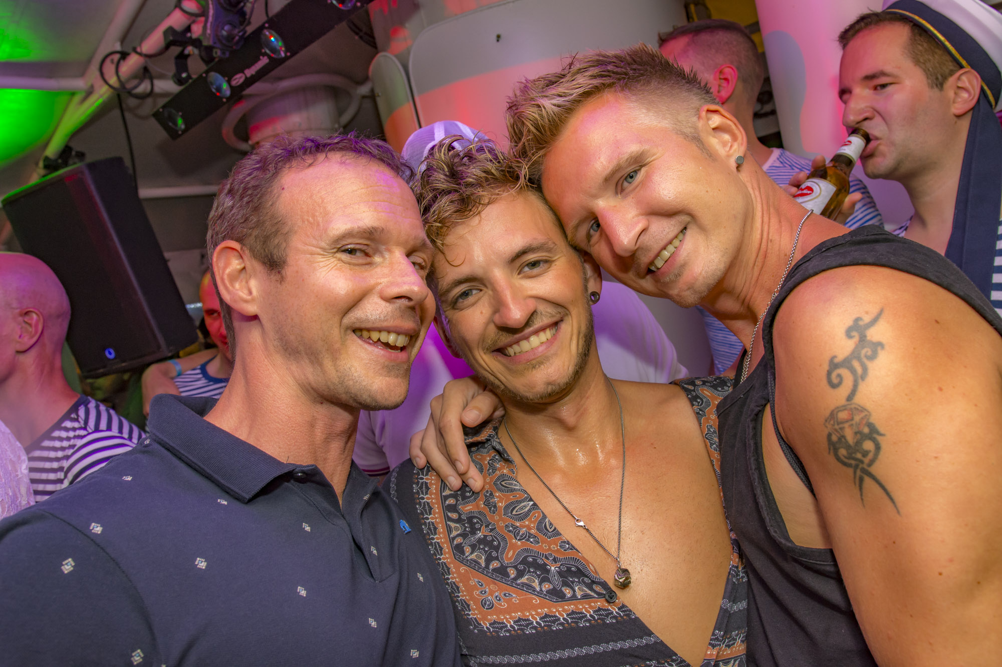 Pink-Lake-Boat-Cruise-Party-2019-39