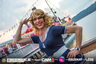 Pink-Lake-2019-Boat-Cruise-Boarding51.jp