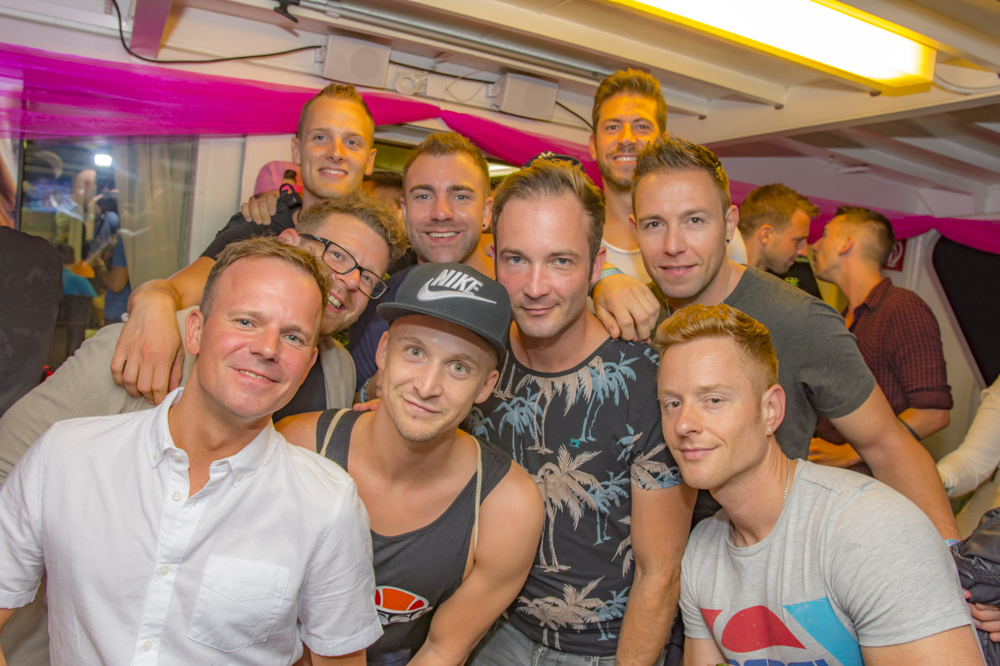 Pink-Lake-Boat-Cruise-Party-2019-53