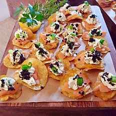 Smoked Salmon with Lemon Herb Cream Cheese and Caviar on Zapps Crawtator Chips