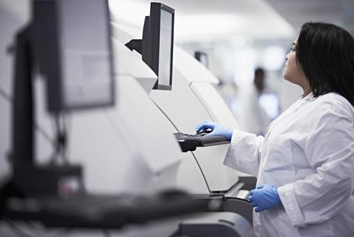 Humanizing an established pioneering technology-driven pathology lab