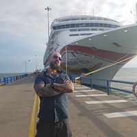 matt johnson, cruise magician and escape artist. Headliner on cruise ships worldwide