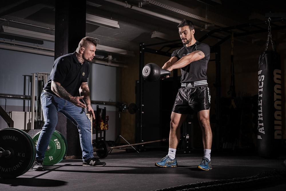Training von Kraft, Ausdauer und beweglichkeit
