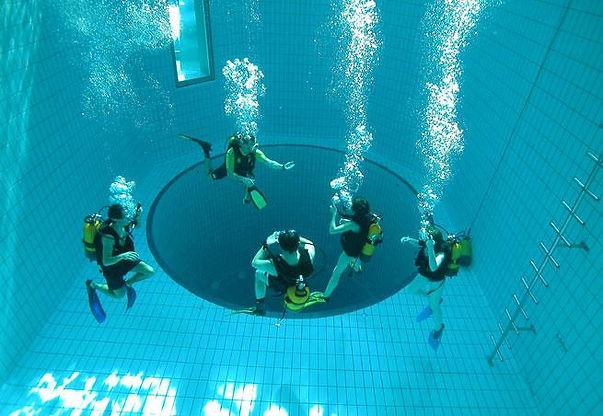 piscine-civaux-1307808581.jpg