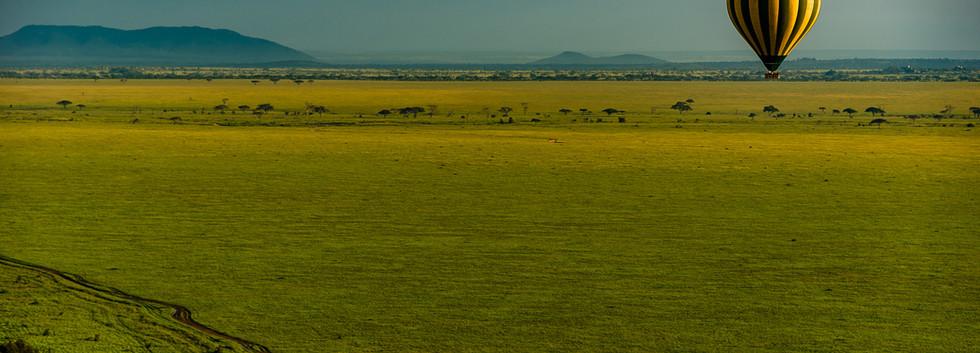 Air balloon over Serengeti