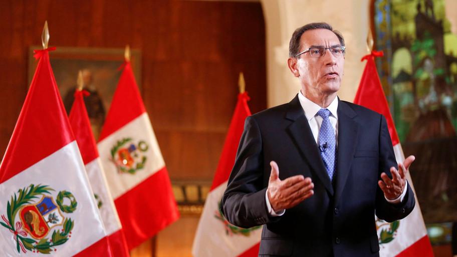 Ex Presidente de Perú en lista de bomberos para vacunación