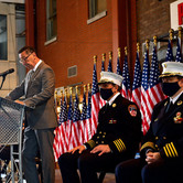 Se gradúan 118 bomberos y paramédicos en New York