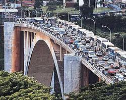 Ponte-da-Amizade-trafego