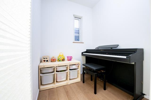 ピアノ室兼おもちゃ室