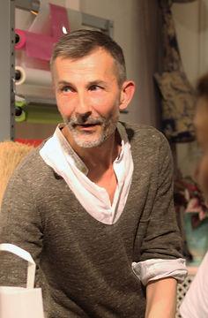 portrait de Thierry Stenzel , fleuristeau 15 rue des 3 faucons Avignon