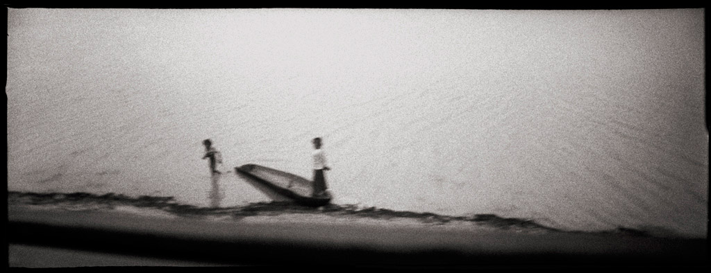 Série Roads Over Troubled Water