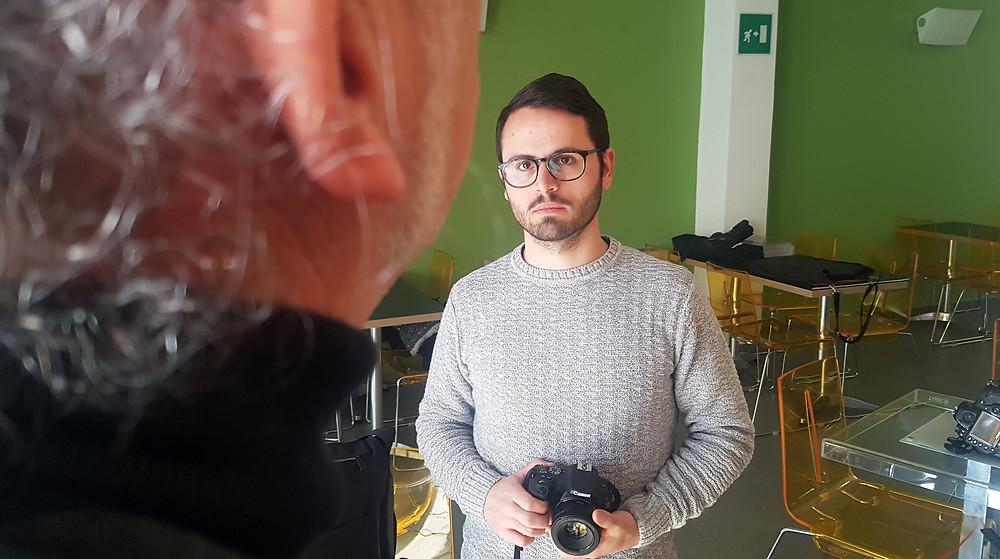 Sessione di ascolto dell'altro, durante il workshop - la fotografia, la pratica e l'identità. con Loredana Denicolaa
