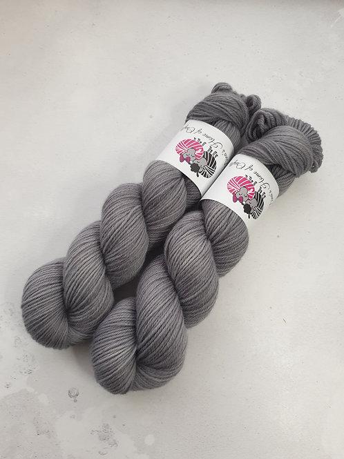 Corriedale DK weight yarn, 100g, SILVER GREY