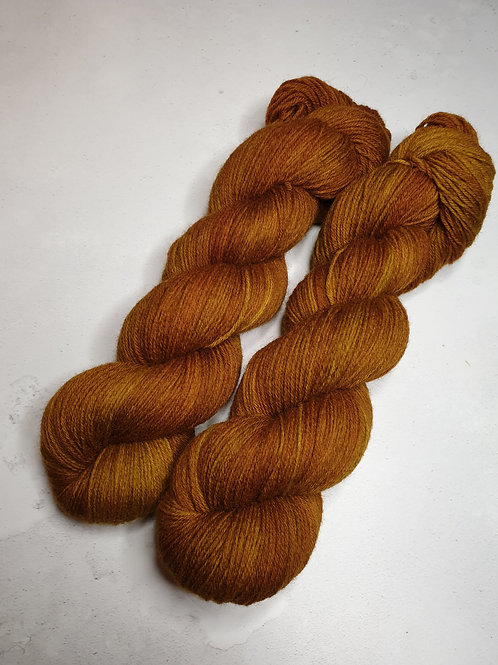 Highland wool yarn, 4-ply, Fingering weight, 100 g, TOBACCO