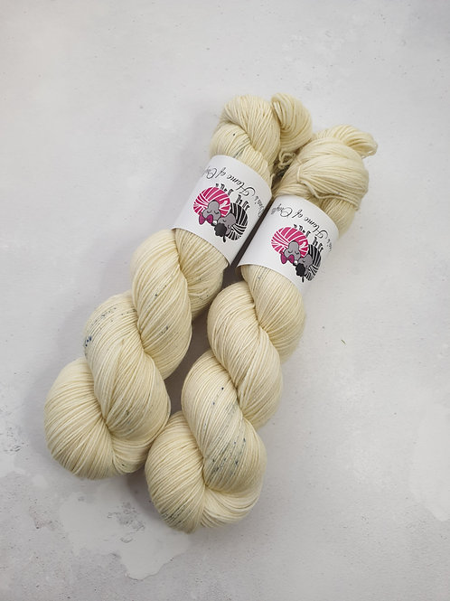 SW Merino Nylon yarn, 4-ply, Fingering weight, 100g,ELDERFLOWER