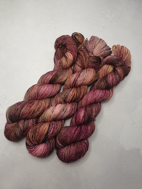 SW Merino Nylon yarn, 4-ply, Fingering weight, 100 g, ROSEWOOD