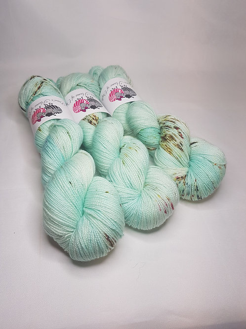 SW Merino Nylon Stellina yarn, 4-ply, Sock weight, 100g, FROSTY MORNING
