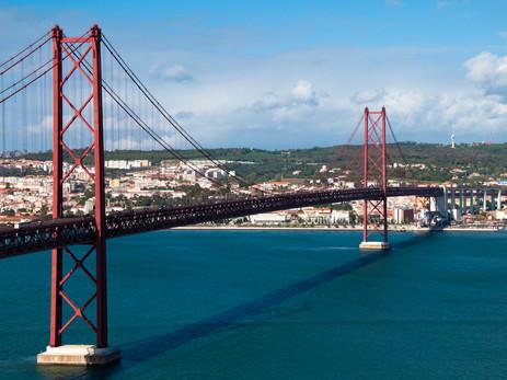 Perchè trasferirsi in Portogallo?                 Ecco 10 - ottimi - motivi per non aspettare oltre!