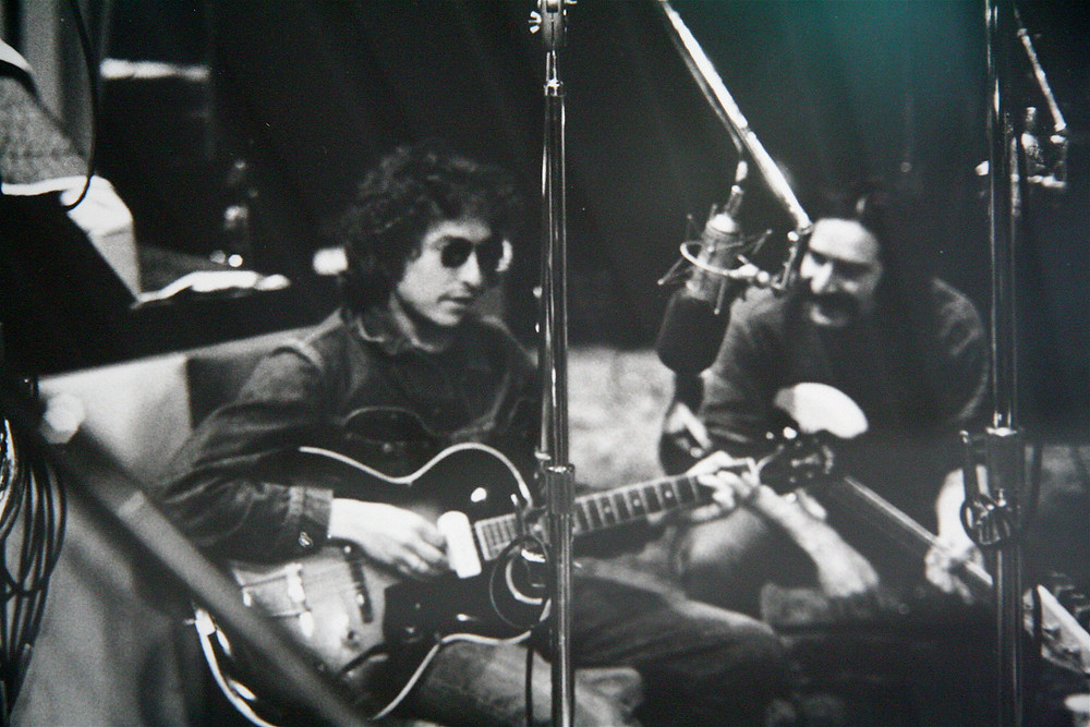 Bob Dylan and Happy Traum in the studio