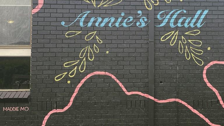 Annie's Hall (2020)