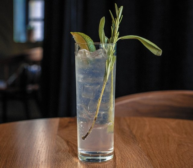 Rosemary gin & tonic in Richmond