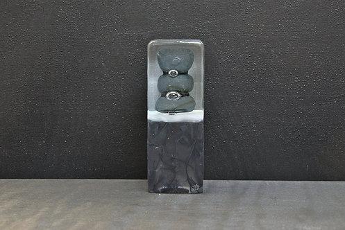 Petit Monolithe noir 4