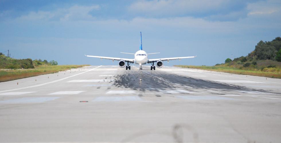 Skiathos Airport.jpg