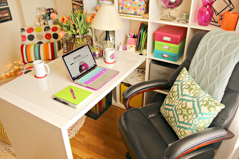 alycia yerves creative desk