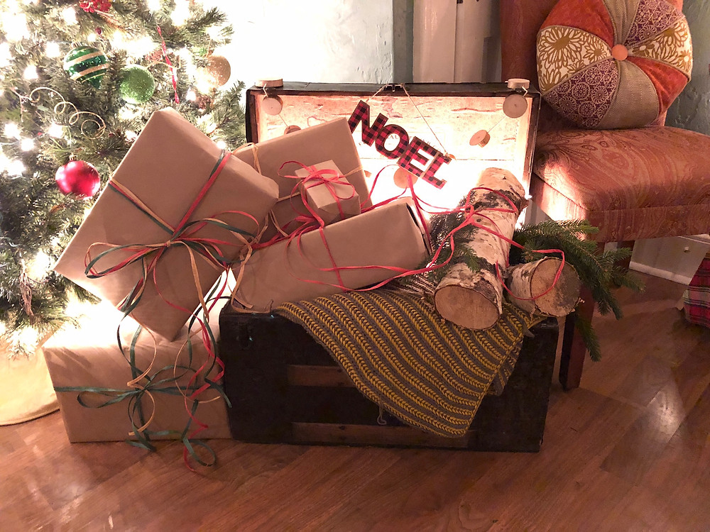 Alycia Yerves home Christmas decor 2017 close up of package trunk