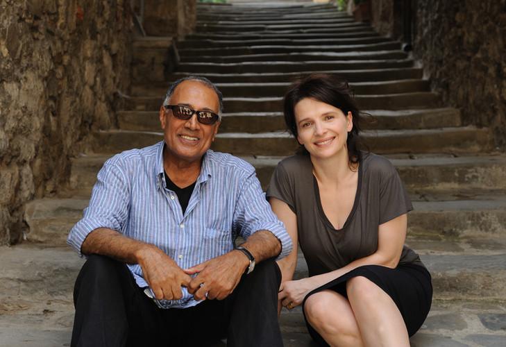 Abbas Kiarostami et Juliette Binoche sur le tournage de COPIE CONFORME